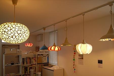 村松さちえさんの照明展示会場