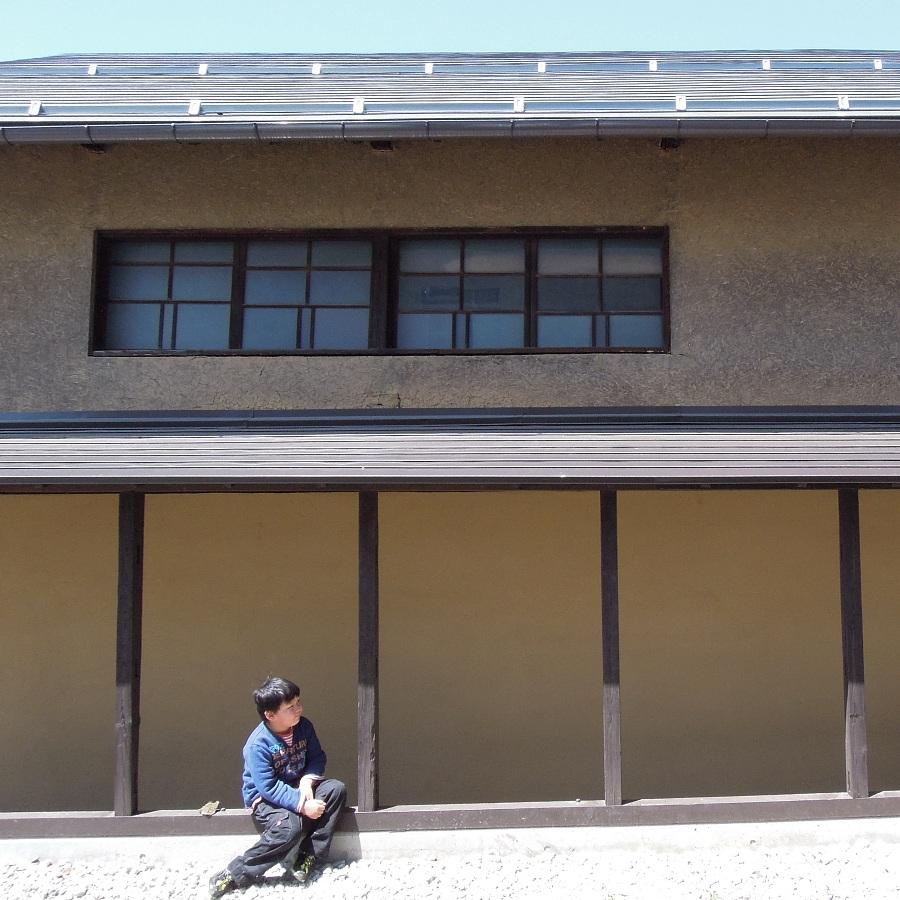 松葉屋本店の裏の建物。見学可能だったのだが、外回りを見ているうちに、中は見そびれてしまった。