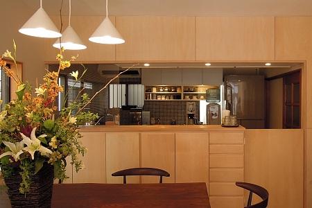「カフェまどか」キッチン