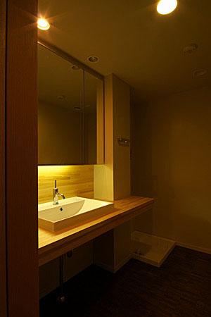 山手のマンション・リノベーション(洗面室)